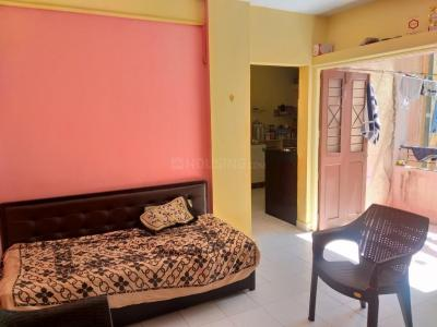 Gallery Cover Image of 1050 Sq.ft 2 BHK Apartment for rent in Ghorpadi for 22000
