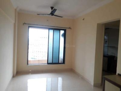 Gallery Cover Image of 950 Sq.ft 2 BHK Apartment for rent in Ostwal Ostwal Kiran Apartment, Mira Road East for 14500