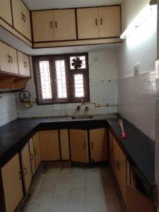 Gallery Cover Image of 2200 Sq.ft 3 BHK Apartment for rent in Sector 7 Dwarka for 33000