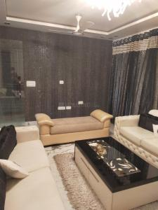 Gallery Cover Image of 3600 Sq.ft 4 BHK Independent Floor for rent in Paschim Vihar for 100000