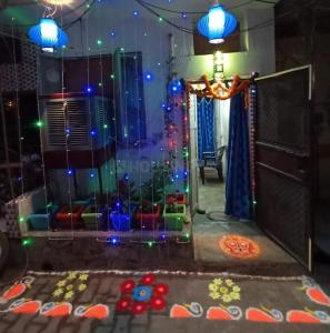 Gallery Cover Image of 500 Sq.ft 1 BHK Independent House for buy in Paschim Vihar for 2400000