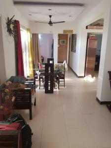 Gallery Cover Image of 1050 Sq.ft 2 BHK Apartment for rent in Pentagon Fortune East, Kharadi for 21500