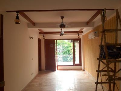 Gallery Cover Image of 1440 Sq.ft 3 BHK Independent Floor for buy in Chittaranjan Park for 24000000