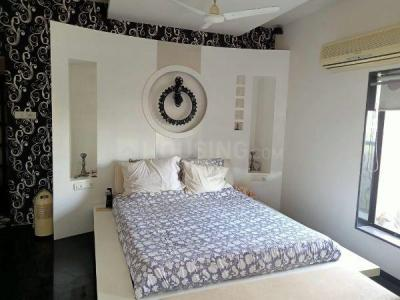 Gallery Cover Image of 1600 Sq.ft 3 BHK Apartment for buy in Vile Parle West for 68000000