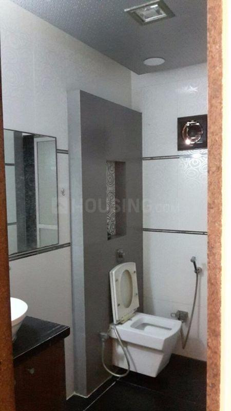 Common Bathroom Image of 1550 Sq.ft 3 BHK Apartment for rent in Thane West for 40000