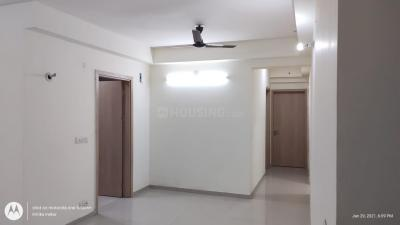 Gallery Cover Image of 2000 Sq.ft 3 BHK Apartment for rent in DLF Express Greens, Manesar for 14000
