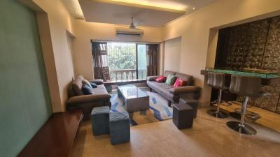 Gallery Cover Image of 2450 Sq.ft 3 BHK Apartment for rent in Bandra West for 250000
