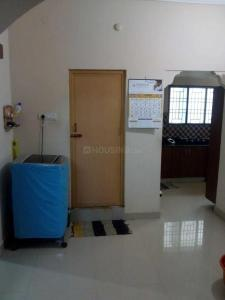Gallery Cover Image of 1350 Sq.ft 2 BHK Apartment for rent in Velachery for 20000