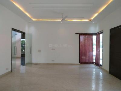 Gallery Cover Image of 5400 Sq.ft 5 BHK Independent House for buy in Sainik Farm for 80000000