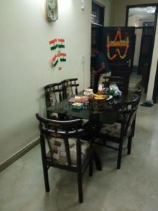 Gallery Cover Image of 1500 Sq.ft 3 BHK Independent Floor for rent in Ramesh Nagar for 35000