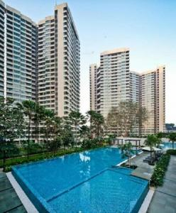 Gallery Cover Image of 1400 Sq.ft 2 BHK Apartment for buy in Kandivali East for 21500000