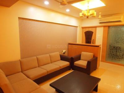 Gallery Cover Image of 920 Sq.ft 2 BHK Apartment for buy in Vile Parle West for 27500000
