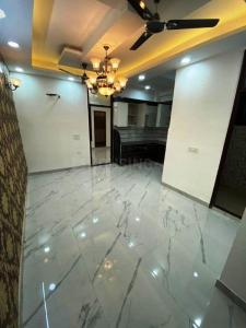 Gallery Cover Image of 350 Sq.ft 1 BHK Independent Floor for buy in Krishna Avenue, Sector 7 for 2500000