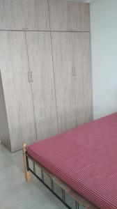 Gallery Cover Image of 1320 Sq.ft 2 BHK Apartment for rent in L&T Crescent Bay T4, Parel for 75000