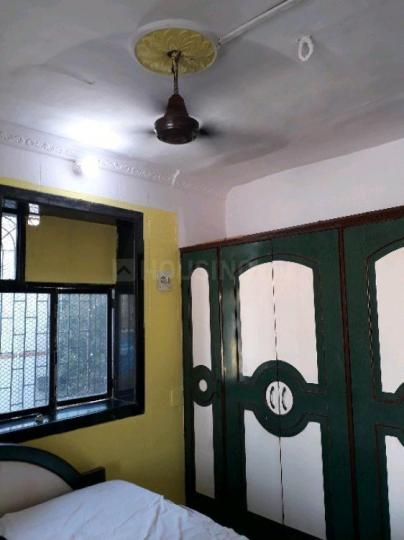 Bedroom Image of 700 Sq.ft 1 BHK Apartment for rent in Juhu for 40000