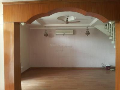 Gallery Cover Image of 2100 Sq.ft 4 BHK Independent Floor for rent in Janakpuri for 125000