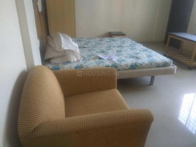 Gallery Cover Image of 765 Sq.ft 2 BHK Apartment for rent in Bandra West for 80000