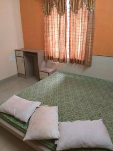 Gallery Cover Image of 450 Sq.ft 1 RK Independent Floor for rent in Hulimavu for 8500