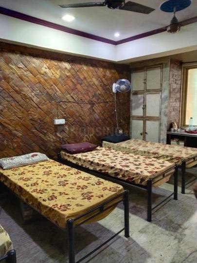 ऐरोली में मातोश्री एंटरप्राइज़ में बेडरूम की तस्वीर