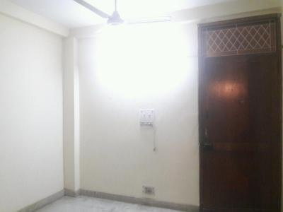 Gallery Cover Image of 800 Sq.ft 2 BHK Apartment for buy in No. 86, Safdarjung Enclave for 5500000
