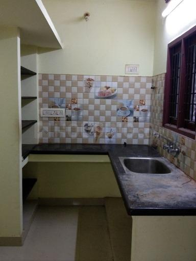 Kitchen Image of 750 Sq.ft 2 BHK Apartment for rent in Tambaram for 13000