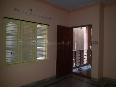 Gallery Cover Image of 750 Sq.ft 2 BHK Apartment for rent in Banashankari for 10000
