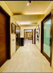 Gallery Cover Image of 3150 Sq.ft 4 BHK Independent Floor for buy in Saket for 40000000