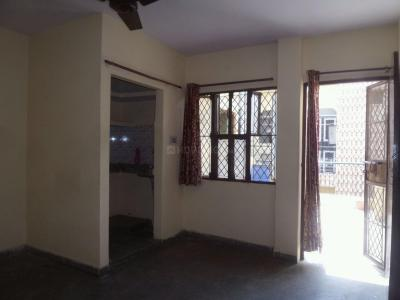 Gallery Cover Image of 300 Sq.ft 1 RK Apartment for rent in Janta Flat Badarpur Bodar, Badarpur for 4500