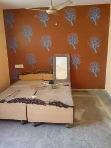 Gallery Cover Image of 714 Sq.ft 2 BHK Independent House for rent in Dwarka Mor for 8500