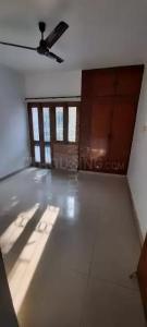 Gallery Cover Image of 1375 Sq.ft 2 BHK Apartment for rent in Pocket C RWA Sarita Vihar, Sarita Vihar for 30000