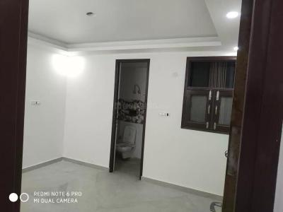 Gallery Cover Image of 1050 Sq.ft 3 BHK Independent Floor for rent in Govindpuri for 20000