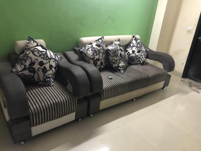 Gallery Cover Image of 650 Sq.ft 1 BHK Apartment for rent in Florence Apartments, Sector 121 for 11000