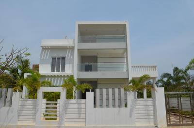 Gallery Cover Image of 5000 Sq.ft 5 BHK Independent House for buy in Panaiyur for 45000000