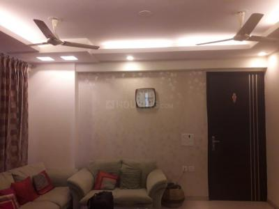 Gallery Cover Image of 1385 Sq.ft 3 BHK Apartment for rent in Prateek Laurel by Prateek Group, Sector 120 for 17000