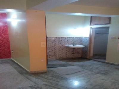 Gallery Cover Image of 850 Sq.ft 2 BHK Apartment for rent in Dum Dum for 8500