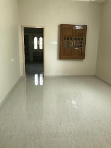 Gallery Cover Image of 1100 Sq.ft 2 BHK Independent Floor for rent in Sholinganallur for 15000