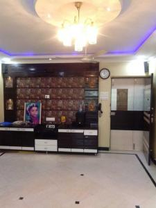 Gallery Cover Image of 900 Sq.ft 2 BHK Apartment for rent in Goregaon West for 38000