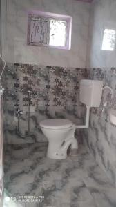 Gallery Cover Image of 1250 Sq.ft 2 BHK Apartment for rent in Kondapur for 19000