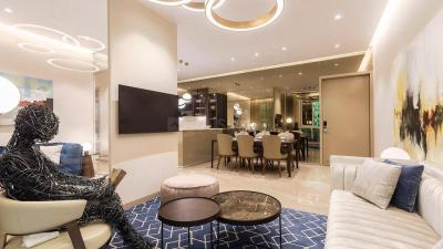 Gallery Cover Image of 1005 Sq.ft 3 BHK Apartment for buy in Andheri West for 32000000
