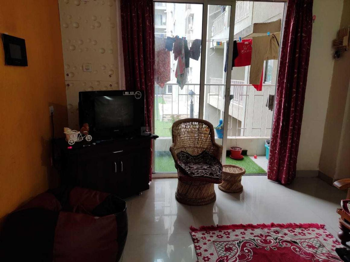 Living Room Image of 650 Sq.ft 1 BHK Apartment for rent in Hadapsar for 20000