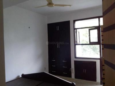 Gallery Cover Image of 1700 Sq.ft 3 BHK Apartment for rent in CGHS Park Royal, Sector 9 Dwarka for 28000