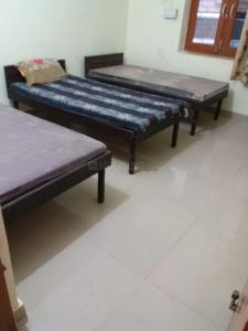 Gallery Cover Image of 400 Sq.ft 1 BHK Independent Floor for rent in Sector 13 for 8500