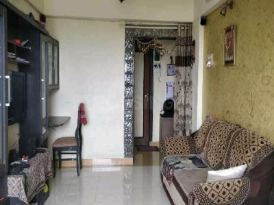 Gallery Cover Image of 620 Sq.ft 1 BHK Apartment for buy in Ahuja Sea Crown, Kandivali West for 8800000