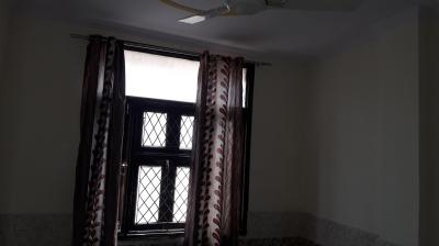 Gallery Cover Image of 300 Sq.ft 1 RK Independent Floor for rent in Aman Homes - III, Ashok Nagar for 6000
