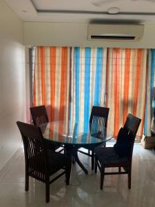 Gallery Cover Image of 1250 Sq.ft 3 BHK Apartment for rent in Wadhwa The Address, Ghatkopar West for 90000