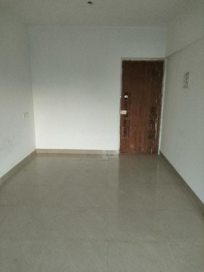 Living Room Image of 750 Sq.ft 1 BHK Apartment for rent in Ghatkopar East for 36000