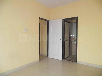 Gallery Cover Image of 585 Sq.ft 1 BHK Apartment for rent in Crystal Avenue, Kandivali East for 20000