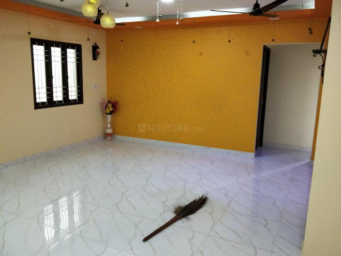 Living Room Image of 1150 Sq.ft 3 BHK Apartment for rent in Poonamallee for 12000