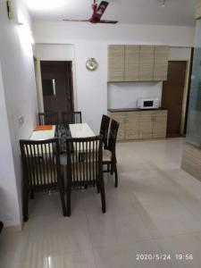 Gallery Cover Image of 1260 Sq.ft 2 BHK Apartment for rent in Nishant Richmond Grand, Vejalpur for 26000