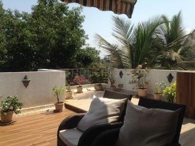 Gallery Cover Image of 2750 Sq.ft 4 BHK Apartment for rent in Bandra West for 400000